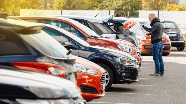Revisar, chequear, verificar, preguntar: todo es necesario cuando se compra un auto usado(iStock)