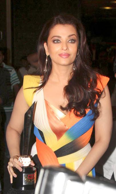 Hello Fame awrads Aishwarya