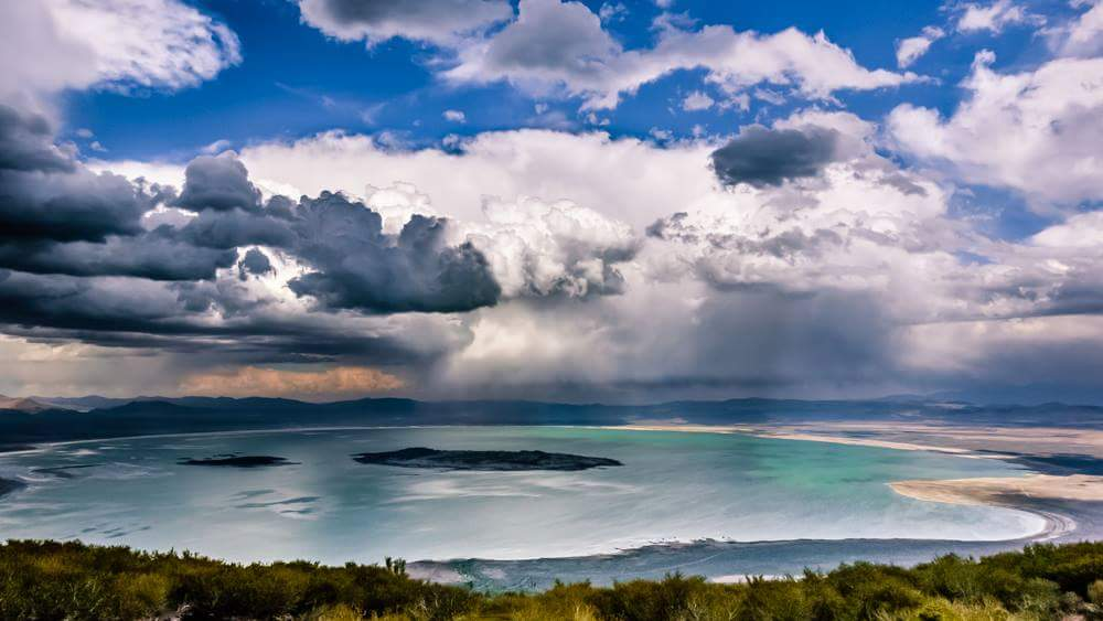 Storm cloulds over Mono Lake