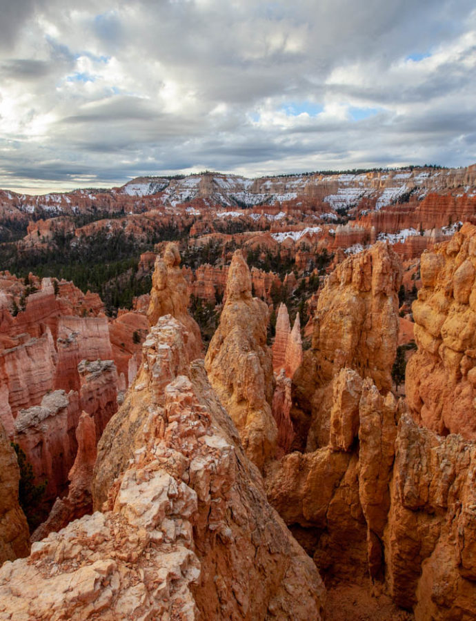 Experience the Queens/Navajo Combination Loop Hike at Bryce Canyon