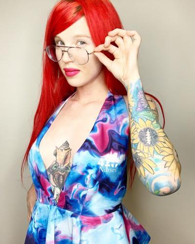 sexy 420 girl redhead