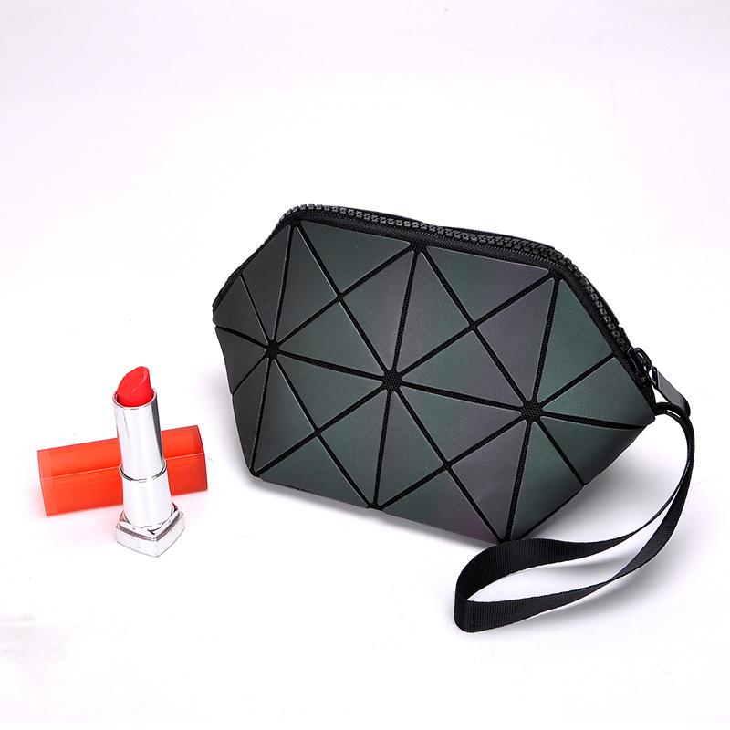 Gray Hexagonal Pattern Makeup Bag
