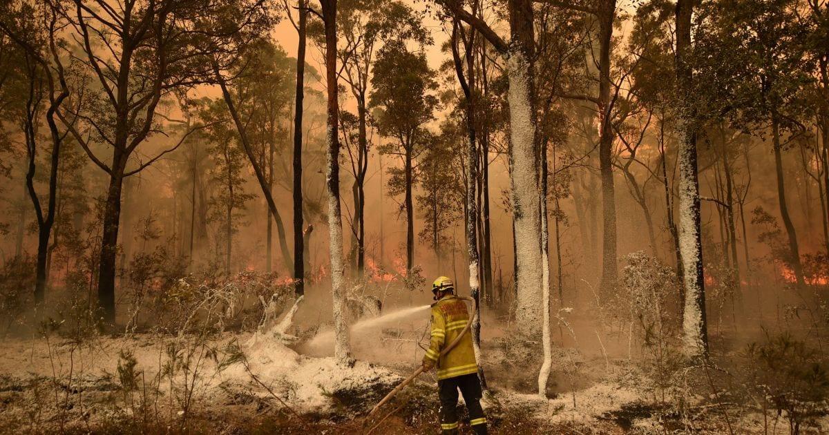 Estados Unidos y California envían más de 100 para ayudar a combatir incendios en Australia