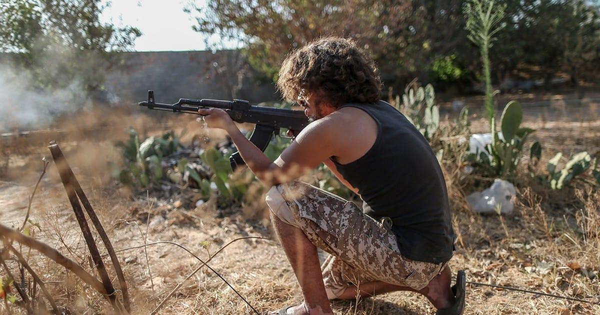 Los campos de batalla de Libia, saturados de luchadores, cada vez más