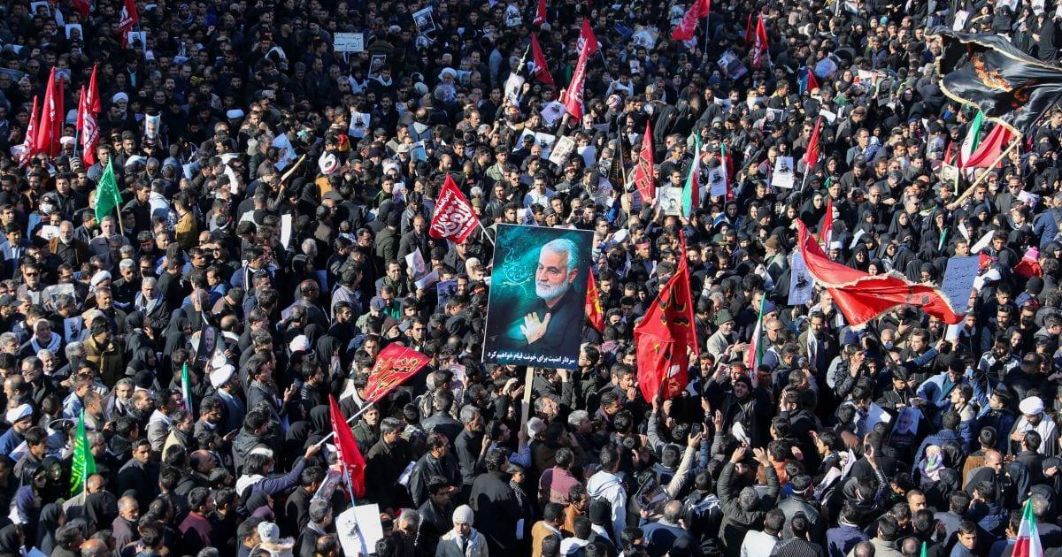 Estampida reportada en procesión por general iraní asesinado