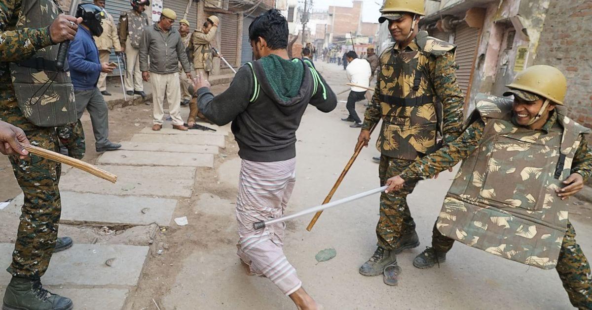"""Para los musulmanes en India, """"barrios enteros se han quedado vacíos de miedo"""""""