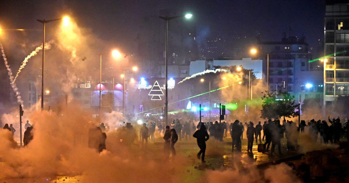Las protestas antigubernamentales en Beirut dejan más de 300 heridos