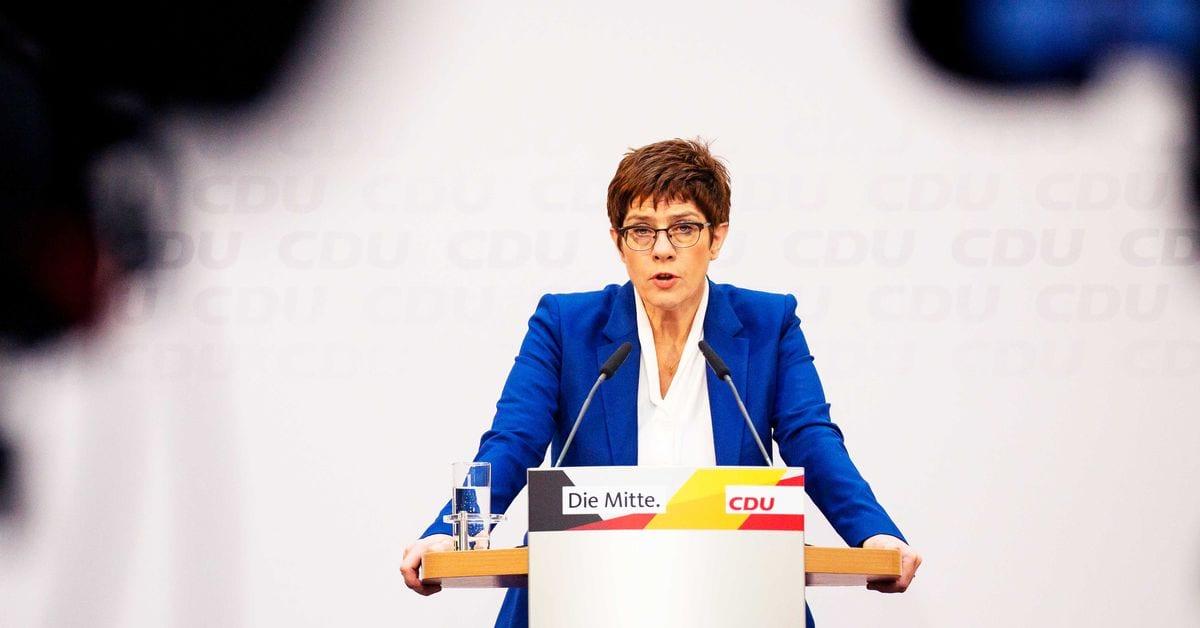 Por qué la sucesora de la canciller alemana Angela Merkel presentó su renuncia