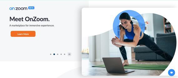 """Zoom mensaje de marketing del control deslizante de la página de inicio que dice """"conoce a onzoom.  un mercado para experiencias inmersivas."""""""