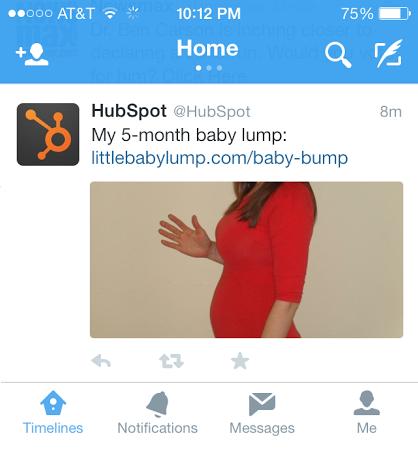 Foto de la panza de Pam Bump en la cuenta de Twitter de HubSpot