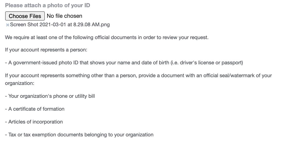 la sección del formulario que le pide que adjunte un documento que verifique su negocio