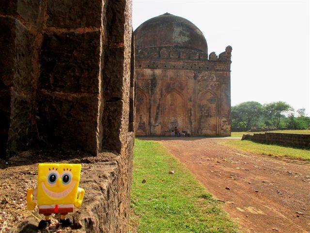 Ashtur tombs