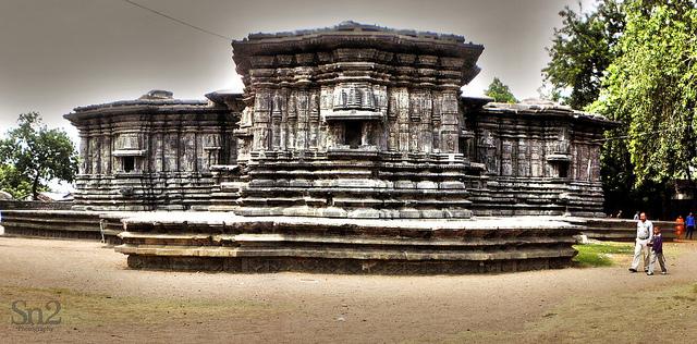 Thousand Pillars Temple, Warangal