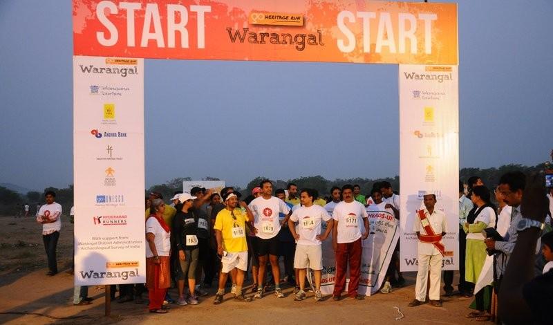 Runners lining up for 16k start
