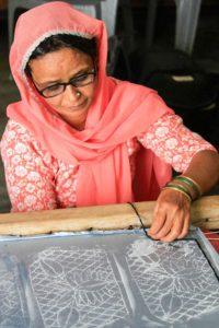 Artisan- zardozi craft