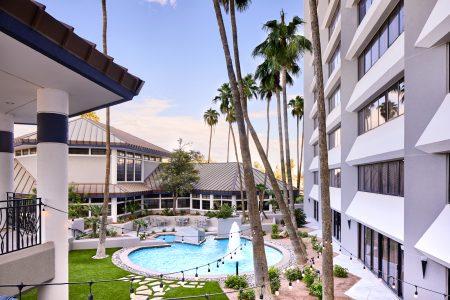 Delta Hotel Pool