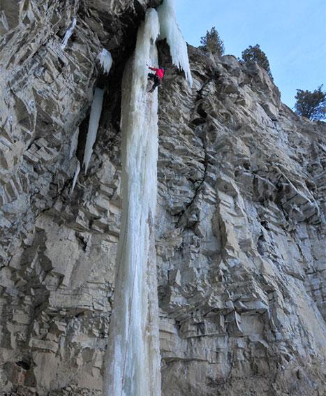 cody-wy-ice-climbing
