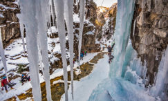 ouray-intro-to-ice-climbing