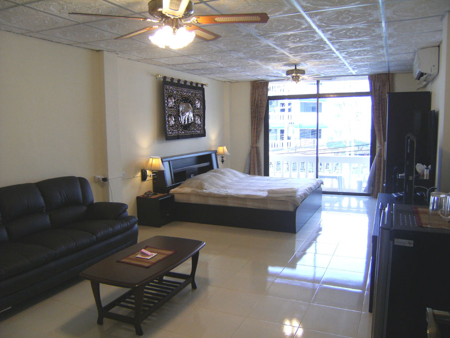 Very Large Room Pic 2 <a href='http://www.pattaya-addicts.com/forum/topic/314288-attn-business-and-website-owners/' class='notreplace' title='' style=