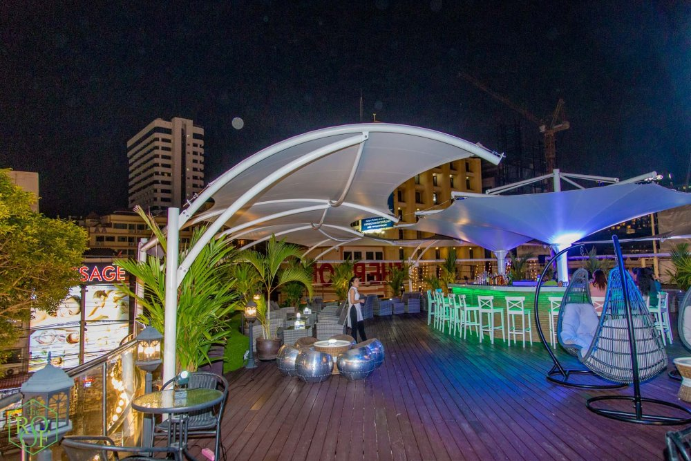 <a href='https://www.facebook.com/roofpattaya/' class='notreplace' title='' target='_blank'  style=