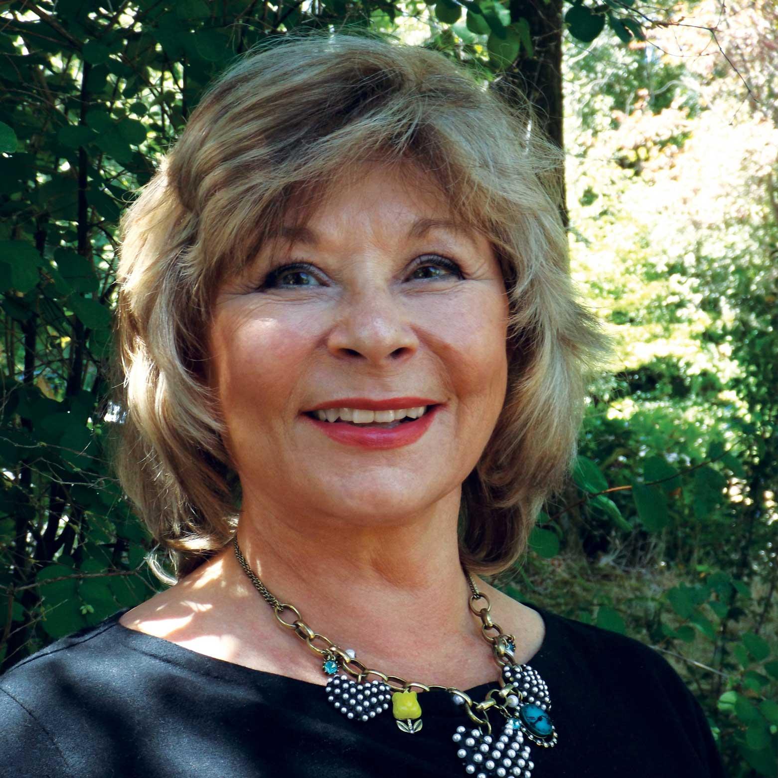 Kathianne Lewis, DD
