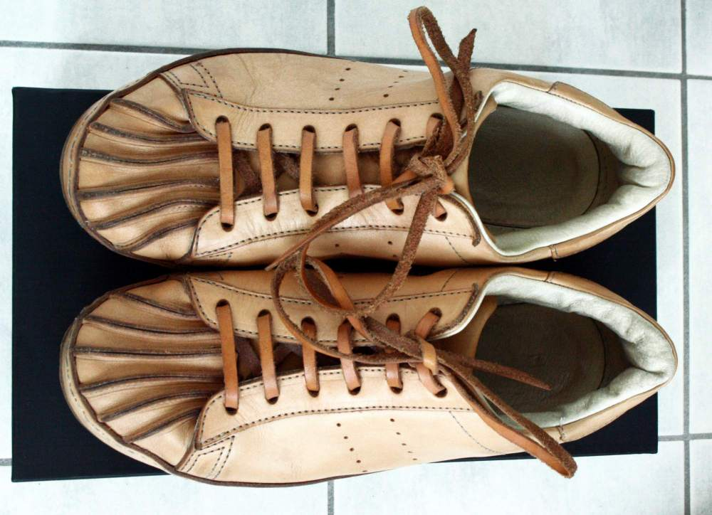 HENDER_SCHEME_ADIDAS_SUPERSTAR_RAW_LEATHER_SNEAKERS_(5).JPG