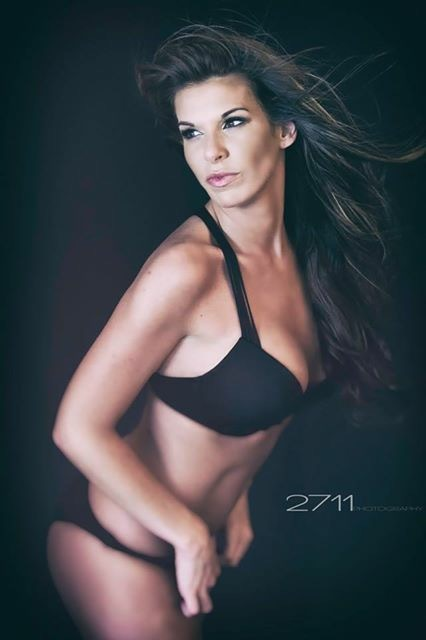 amanda doyle viva glam magazine model search woman category winner
