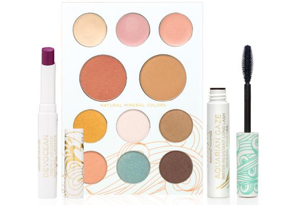 How to Keep Your Lipstick from Melting – viva glam magazine MODERN_BEACH_GIRL_500