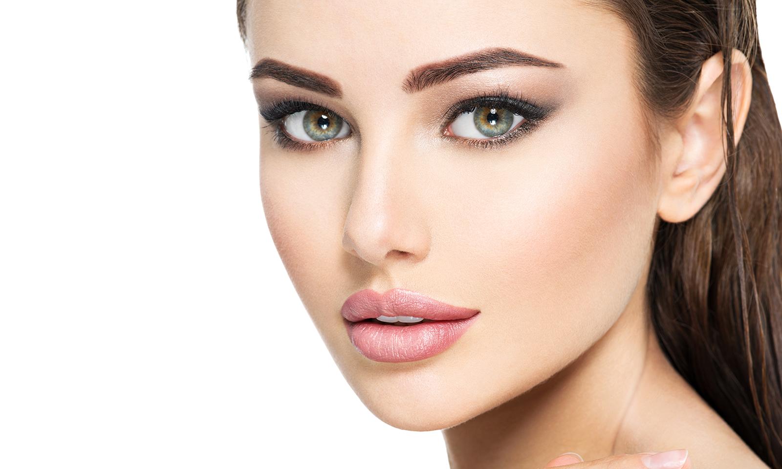 beauty-skincare-beautiful-woman-with-big-eyes-looking-at-camera