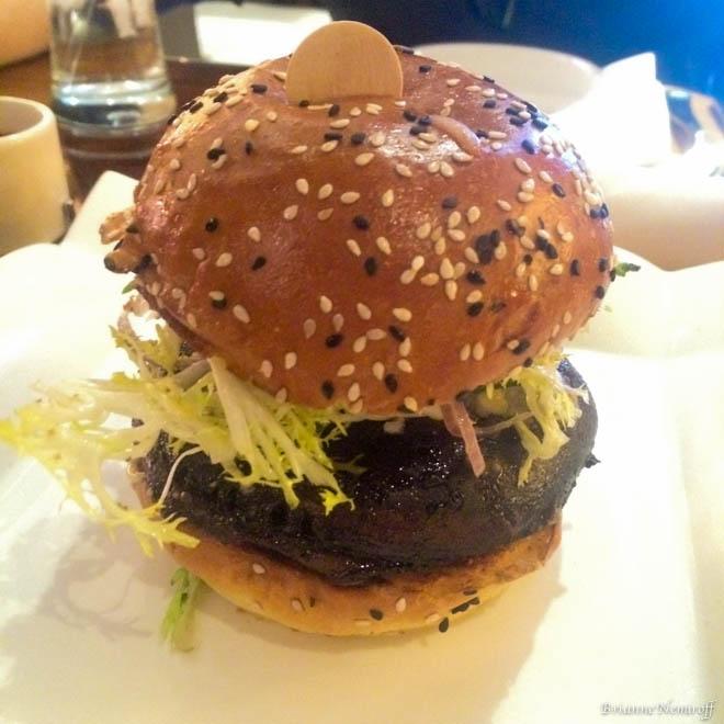 visiting-as-a-vegan-vegetarian-in-las-vegas-nevada-viva-glam-magazine-travel-brianne-nemiroff-41-of-58