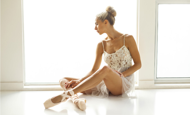 5-principles-of-ballet-that-you-should-adopt-into-your-life-jesse-golden-photographer-marcel-indik-ballet-dance-yoga-instructor-centered-zen-peaceful-sitting