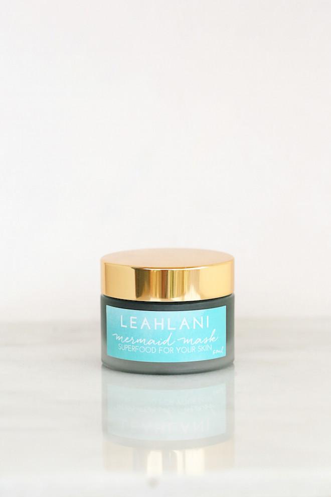 luxurious-natural-beauty-gifts-viva-glam-magazine-brianne-nemiroff-mermaidmask-marble-4129