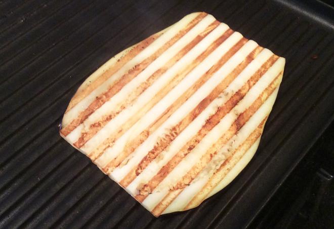 Vegan-Eggplant-Lasagna-Rolls-grill-eggplant