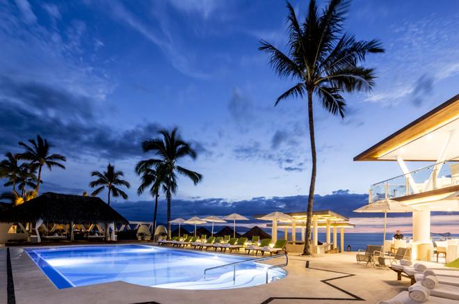 Villa-Premier-Puerto-Vallarta-Mexico-Pool-Beach -La-Ceiba-Restaurant-dawn
