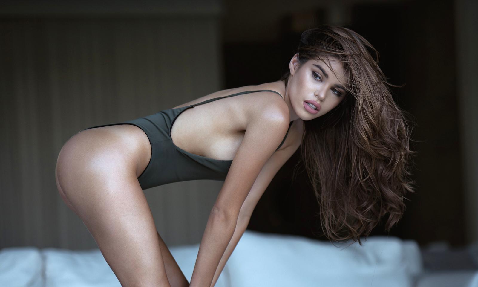 Sexiest-2017-Mabelynn-Capaluj-Dreamsate-Live-lean-forward-Feature