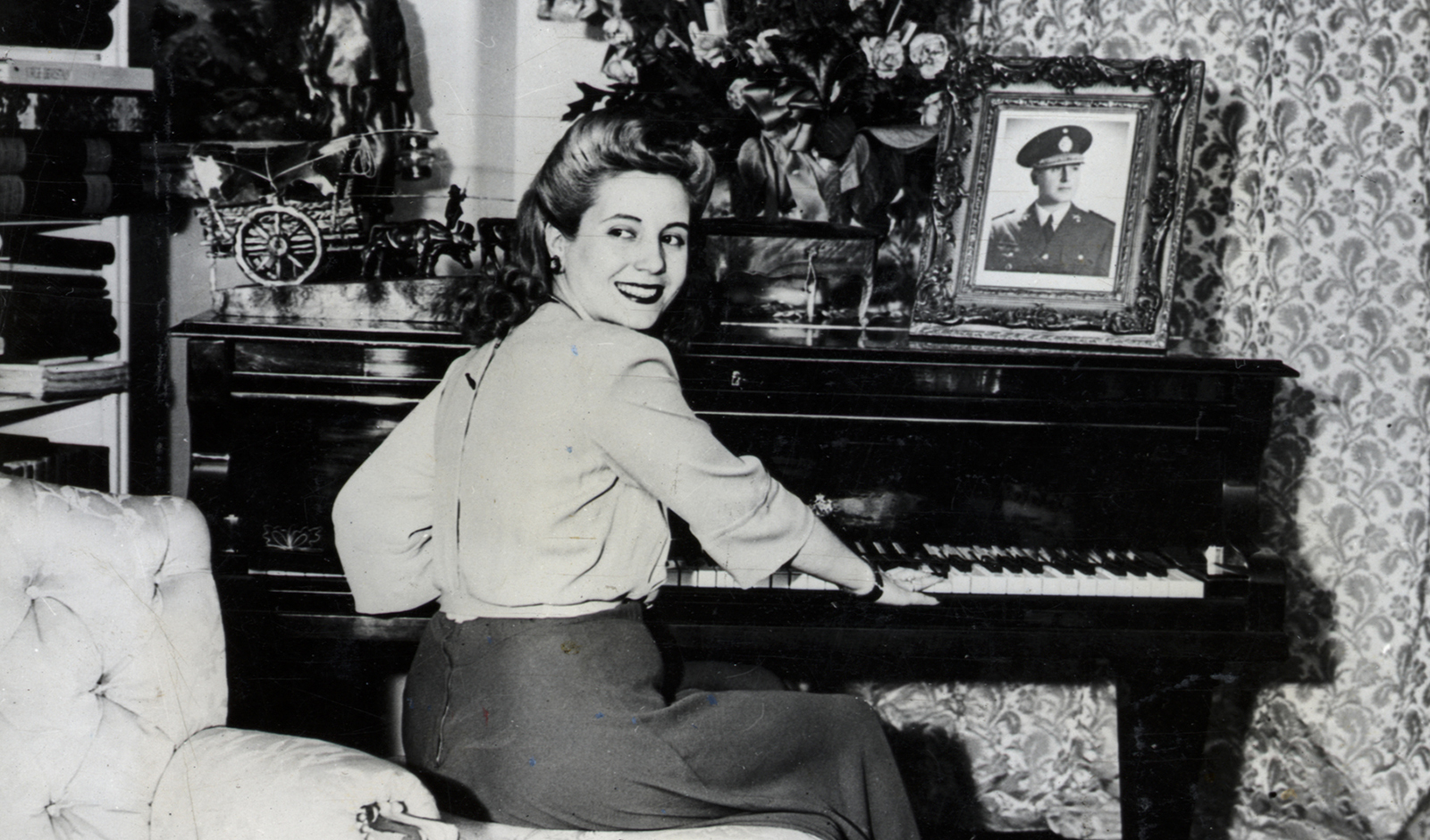 eva-peron-style-playing-piano
