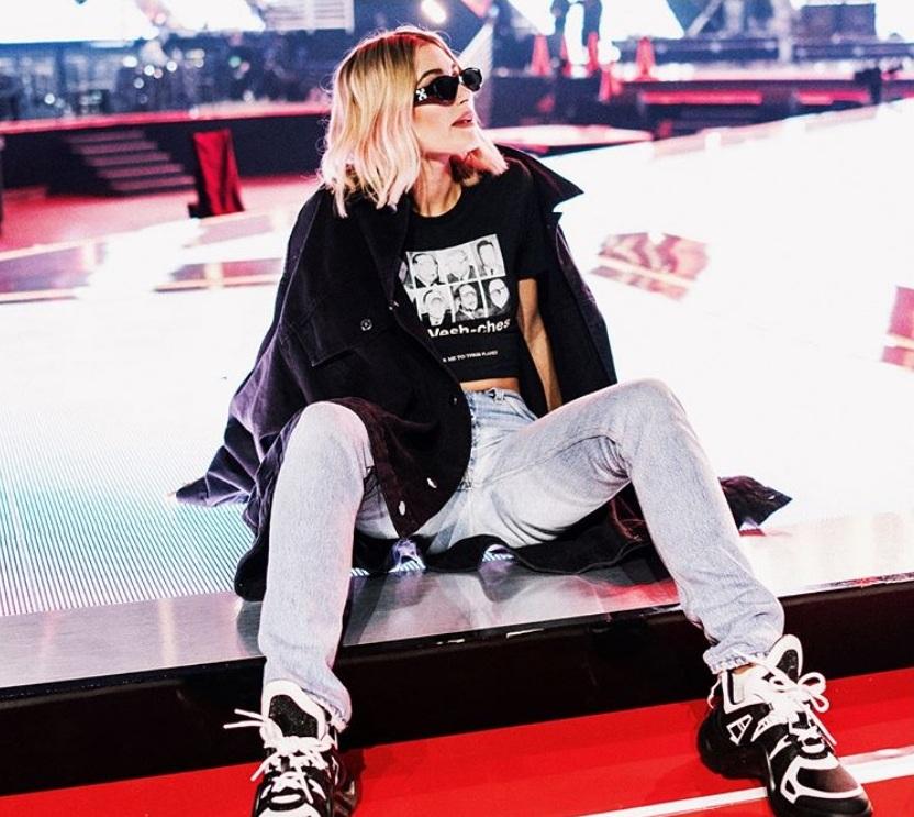 6 Celebrities That Look Amazing in The Ugly Sneaker Trend hailey baldwin instagram