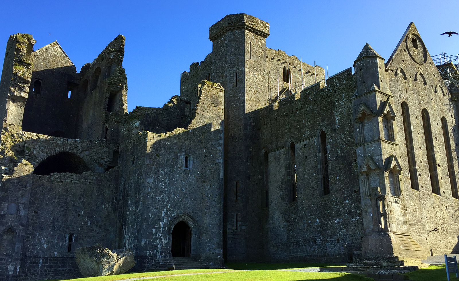 The_Most_Beautiful_Castles_in_Irleand_Rock_of_Cashel_Blarney_Dunamase_Main_Image