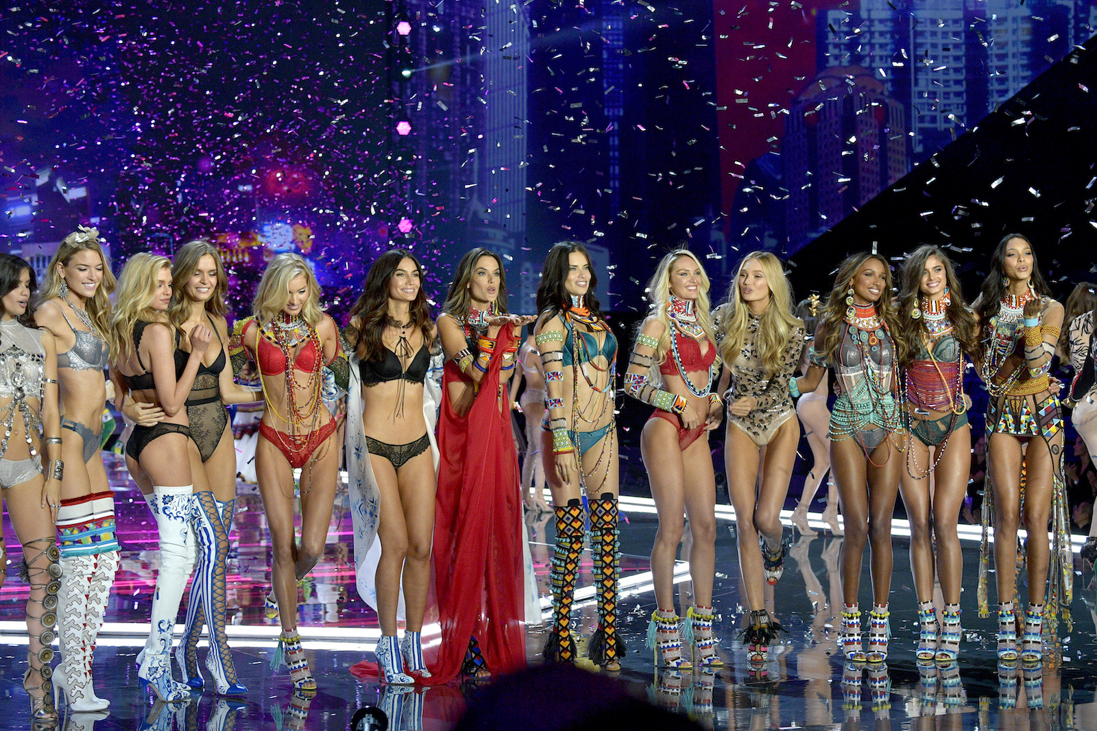 victorias-secret-sexiest-runway-looks-ever-main-image.jpg