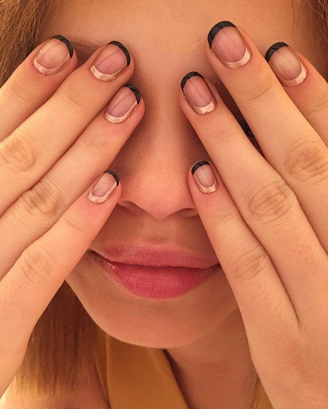 15 Nail Trends You Need to Sport This Summer negative space