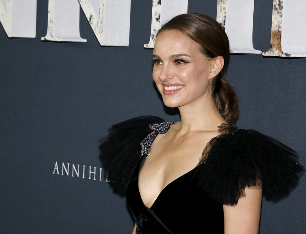 """Vegan-Star-Natalie-Portman-Says-Its-Her-""""Dream""""-To-Do-A-Plant-Based-Cooking-Show"""