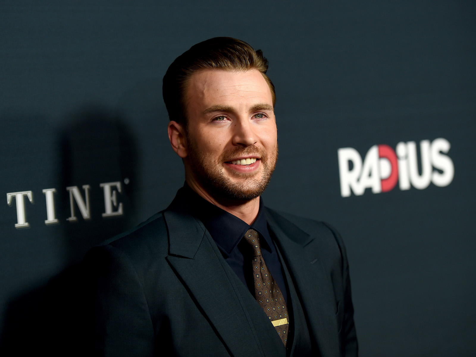 is-chris-evans-the-most-gorgeous-superhero-around-main-image.jpg