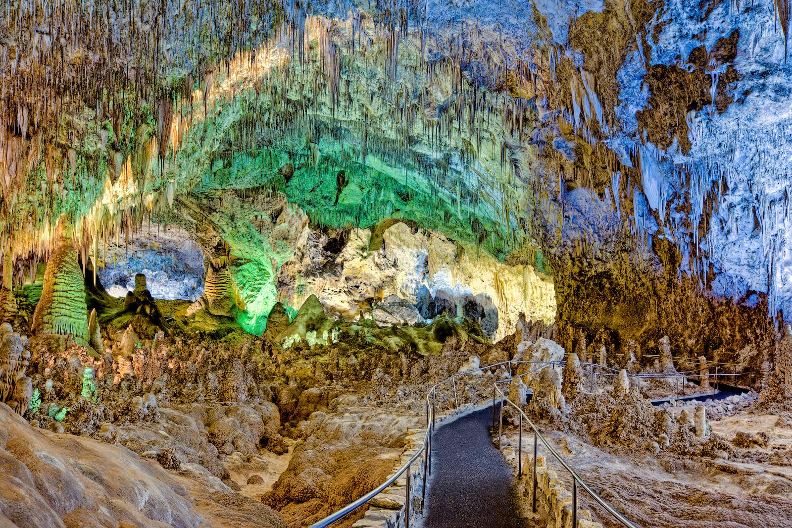 carlsbad-caverns-main-image