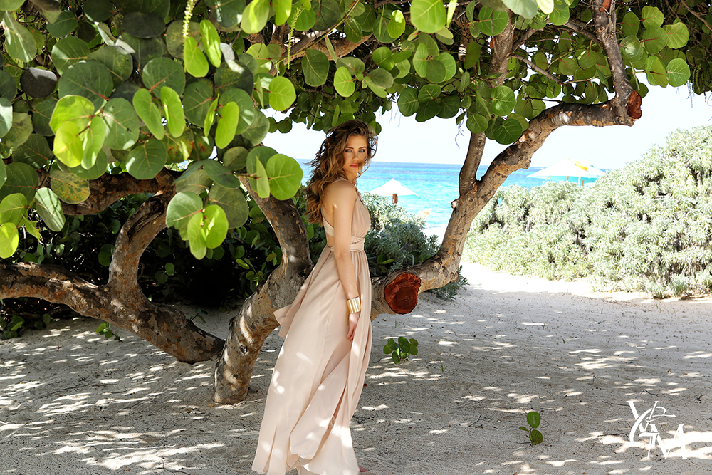 model-brittany-oldehoff-sexy-hot-anguilla-zemi-beach-house-long-dress