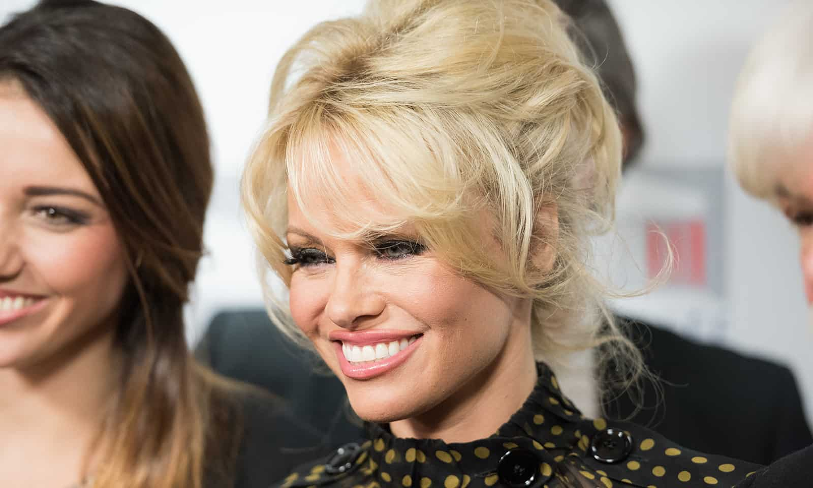 pamela-anderson-on-the-red-carpet