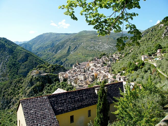 Reduce-Stress-by-Visiting-these-Global-Wellness-Experiences-alpes-maritimes