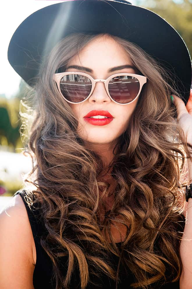 Sunglasses-How-to-Know-What-Looks-Good-close-up-woman-in-cat-eye-sunglasses
