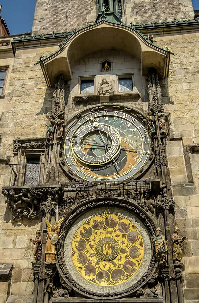 an-insta-perfect-guide-to-prague-main-image-old-town-hall-and-astronomical-clock
