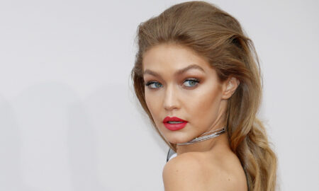 gigi-hadid-red-carpet-photo