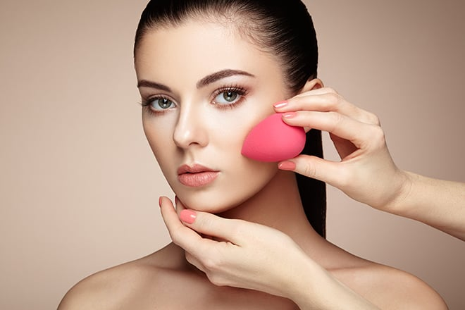 A-Step-By-Step-Guide-On-How-To-Conceal-Dark-Circles-Like-A-Pro-beauty-blender